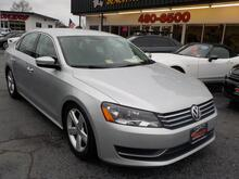 2014_VOLKSWAGEN_PASSAT_SE PZEV, BUYBACK GUARANTEE, WARRANTY, LEATHER, BACKUP CAM, HEATED SEATS, PARKING SENSORS, LOW MILES!_ Norfolk VA