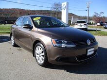2014_Volkswagen_Jetta Sedan_SE w/Connectivity_ Keene NH