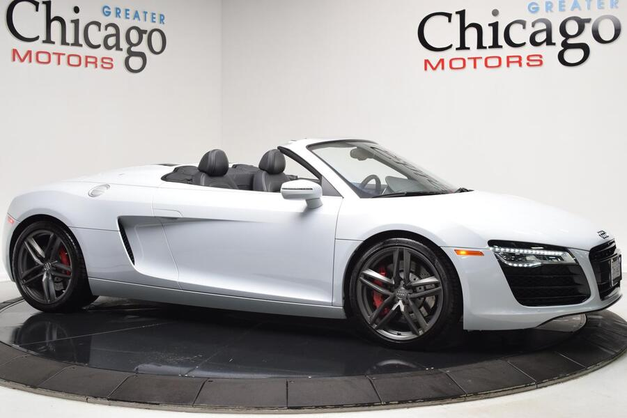 2015_Audi_R8_V8_ Chicago IL