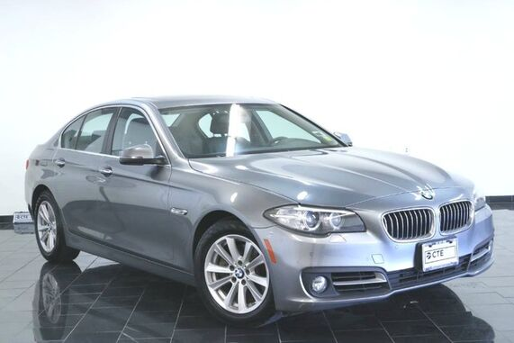 2015_BMW_5 Series_4dr Sdn 528i xDrive AWD, Clean Carfax, Premium 1 Package, Cold Weather Package, Rear View Camera, Navigation, Parking Distance Control,_ Leonia NJ