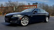 BMW 5 Series 528i xDrive / NAV / PREM / SUNROOF / CAMERA 2015