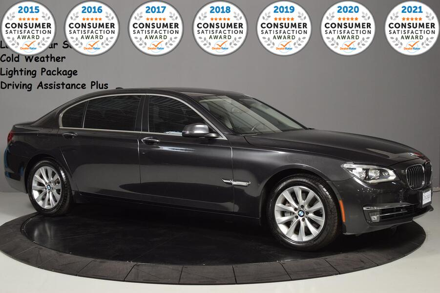 2015_BMW_7 Series_740Li xDrive_ Glendale Heights IL