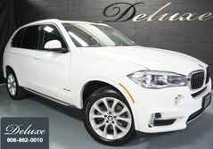 BMW X5 xDrive35i Luxury Line, Navigation System, Rear-View Camera, Heated Leather Seats, Panorama Sunroof, Running Boards, 19-Inch Alloy Wheels, 2015