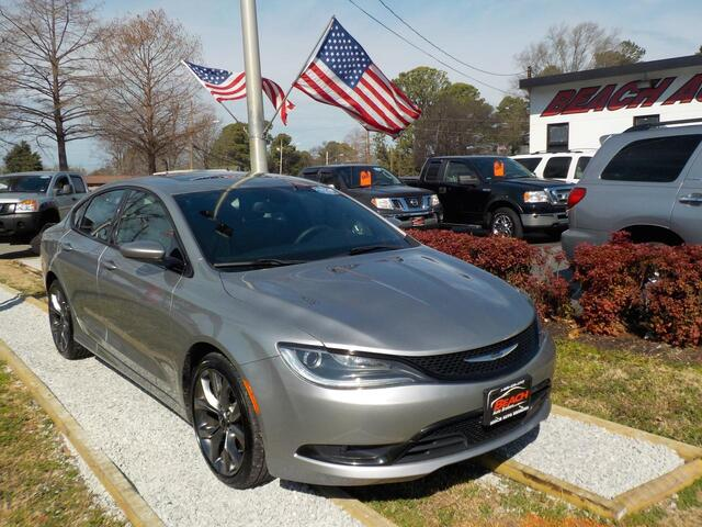2015 CHRYSLER 200 S, BUYBACK GUARANTEE, WARRANTY, LEATHER, SUNROOF, SAT RADIO, NAV, SUNROOF, BLUETOOTH, 1 LOCAL OWNER! Norfolk VA
