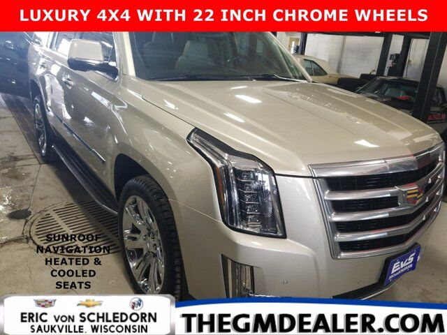 2015 Cadillac Escalade Luxury 4WD w/22sChromes Sunroof Nav HtdCldMemLthr CUE SurroundVision Milwaukee WI