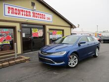 2015_Chrysler_200_Limited_ Middletown OH