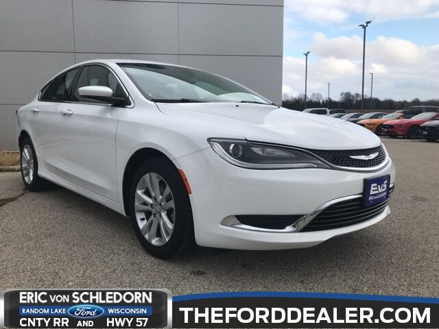 2015 Chrysler 200 Limited Milwaukee WI