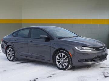 2015 Chrysler 200 S Michigan MI
