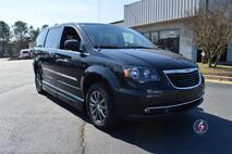 2015 Chrysler Town & Country S Wheelchair Van Conyers GA