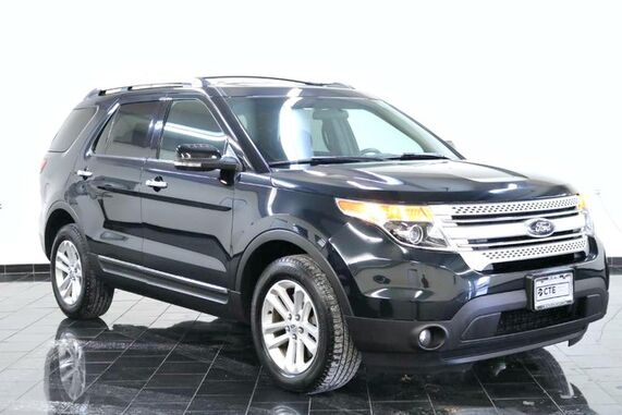 2015_Ford_Explorer_4WD 4dr XLT, Factory Warranty, Clean Carfax, Third Row Seating, Rear Climate Control, Bluetooth, Sync by Microsoft, AM/FM/ Satellite Radio, CD, Aux,_ Leonia NJ