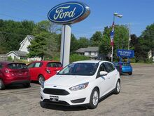 2015_Ford_Focus_SE_ Erie PA