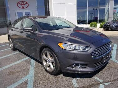2015_Ford_Fusion_4dr Sdn SE FWD_ Muncie IN