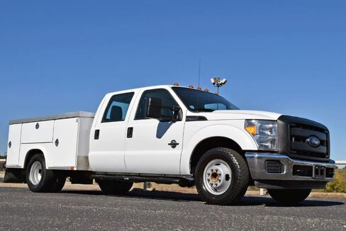 2015_Ford_Super Duty F-350 DRW_XL Utility Bed_ Fort Worth TX