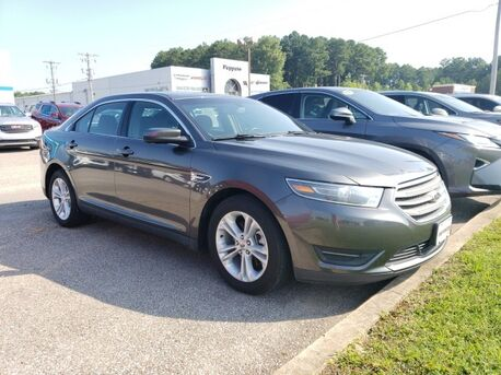 2015_Ford_Taurus_SEL_ Paris TN