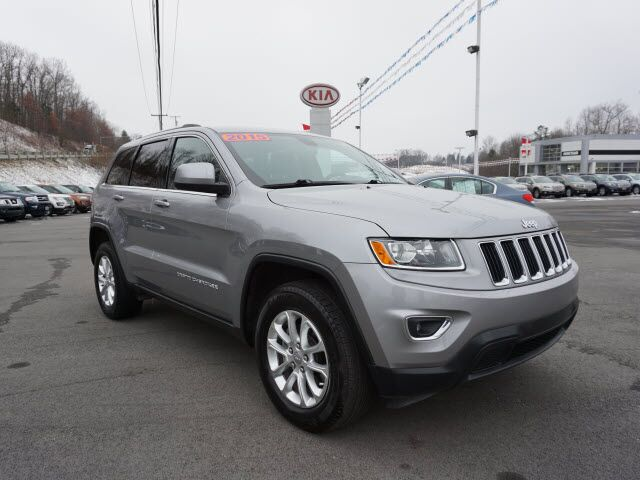 2015 Jeep Grand Cherokee 4WD 4DR LAREDO Mount Hope WV