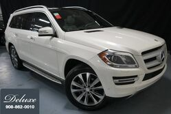Mercedes-Benz GL450 4MATIC / Over $16900 in Options/ One-owner/ Rear DVD/ Keyless GO 2015