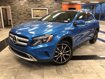 2015_Mercedes-Benz_GLA-Class_GLA 250_ Worcester MA
