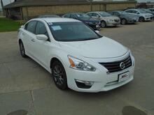 2015_Nissan_Altima_2.5 S_ Colby KS