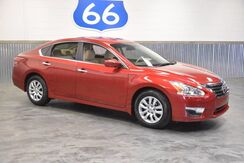 2015_Nissan_Altima_'ONLY 14,153 MILES' 38+ MPG! DRIVES LIKE NEW! PRICED AT A STEAL!_ Norman OK