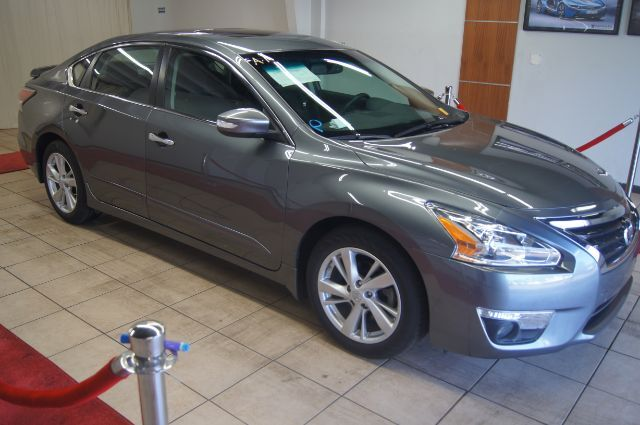 2015 Nissan Altima SL WITH LEATHER, ROOF AND NAVIGATION Charlotte NC
