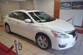 2015 Nissan Altima SV WITH NAVIGATION AND POWER SUNROOF