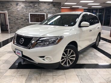 2015_Nissan_Pathfinder_S_ Worcester MA
