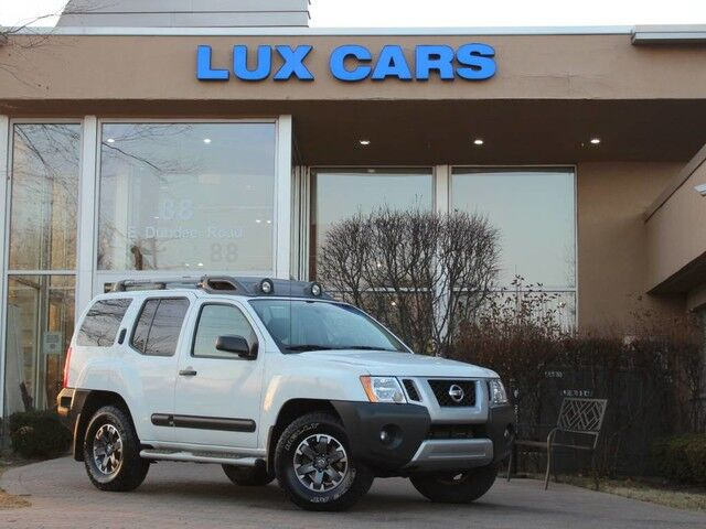 2015_Nissan_Xterra_Pro-4X Nav Leather 4WD_ Buffalo Grove IL