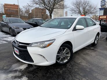 2015_Toyota_Camry_SE_ Worcester MA