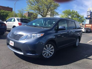 2015_Toyota_Sienna_LE_ Worcester MA