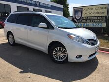 Toyota Sienna XLE Premium NAVIGATION REAR VIEW CAMERA, DUAL VIEW REAR ENTERTAINMENT SYSTEM, PARKING SENSORS, LEATHER, SUNROOF!!! FULLY LOADED!!! ONE OWNER!!! 2015