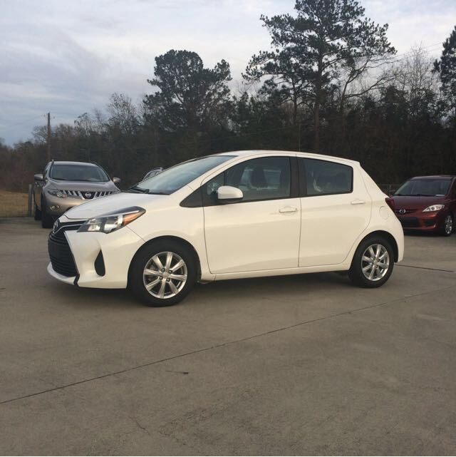 2015 Toyota Yaris LE 5-Door AT Hattiesburg MS