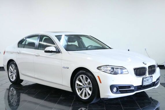 2016_BMW_5 Series_4dr Sdn 528i xDrive AWD, Factory Warranty, 1 Owner, Clean Carfax, Parking Distance Control, Cold Weather Package, Rear View Camera, Power Tailgate, Navigation ,_ Leonia NJ
