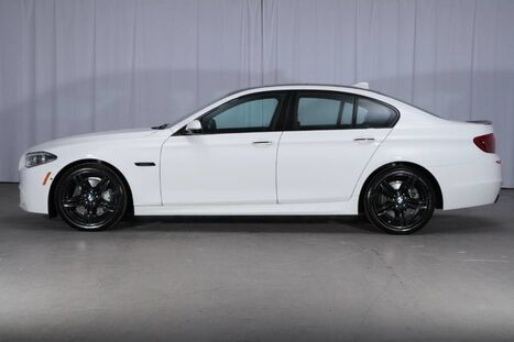 BMW 5 Series AWD 550i xDrive 2016