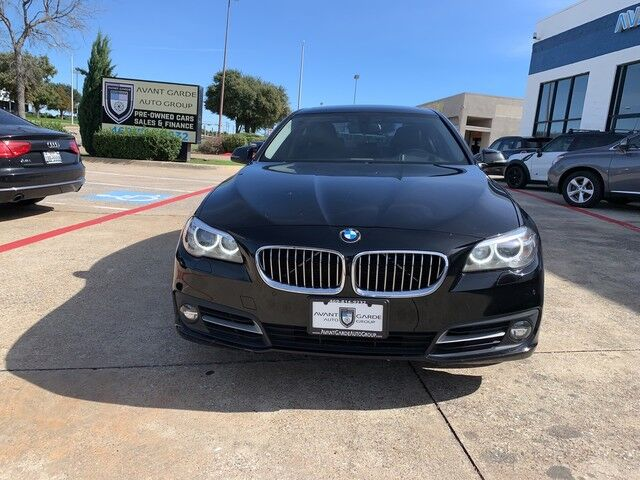2016 BMW 535i NAVIGATION REAR VIEW CAMERA, HEADS-UP DISPLAY, HARMAN KARDON STEREO, HEATED LEATHER, SUNROOF!!! EXTRA CLEAN AND LOADED!!! ONE OWNER!!! Plano TX