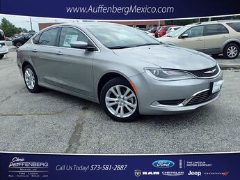 2016_Chrysler_200_Limited_ Cape Girardeau