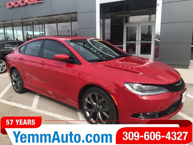 2016_Chrysler_200_S_ Galesburg IL