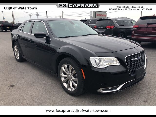 2016 Chrysler 300 Limited Watertown NY