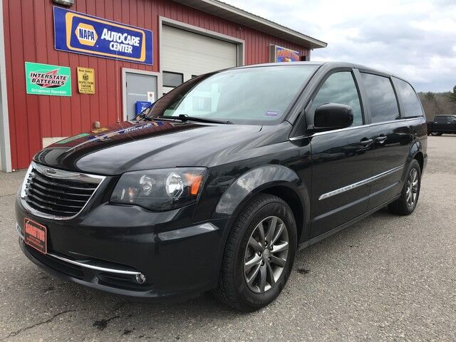 2016 Chrysler Town & Country S Sabattus ME