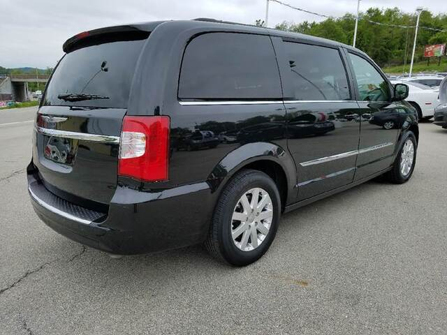 2016 Chrysler Town and Country Touring 4dr Mini Van Adamsburg PA