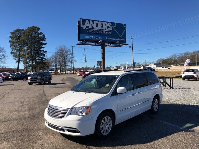 2016 Chrysler Town & Country Touring Bryant AR