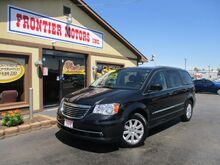 2016_Chrysler_Town & Country_Touring_ Middletown OH