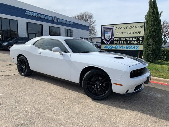 2016 Dodge Challenger SXT NAVIGATION REAR VIEW CAMERA, BLACKTOP PACKAGE, U-CONNECT, PREMIUM SOUND!!! LOADED!!! EXTRA CLEAN!!! ONE LOCAL OWNER!!! Plano TX