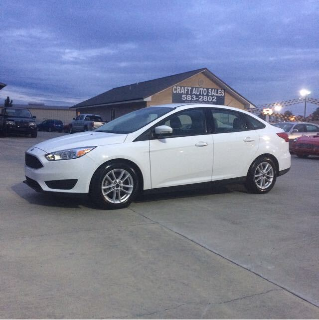 2016 Ford Focus SE Sedan Hattiesburg MS