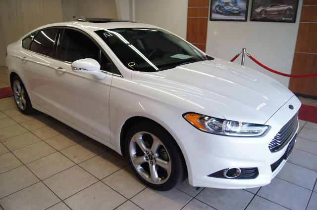 2016 Ford Fusion WITH NAV AND SUNROOF Charlotte NC