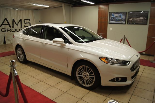 2016 Ford Fusion navigation, sunroof and leather Charlotte NC