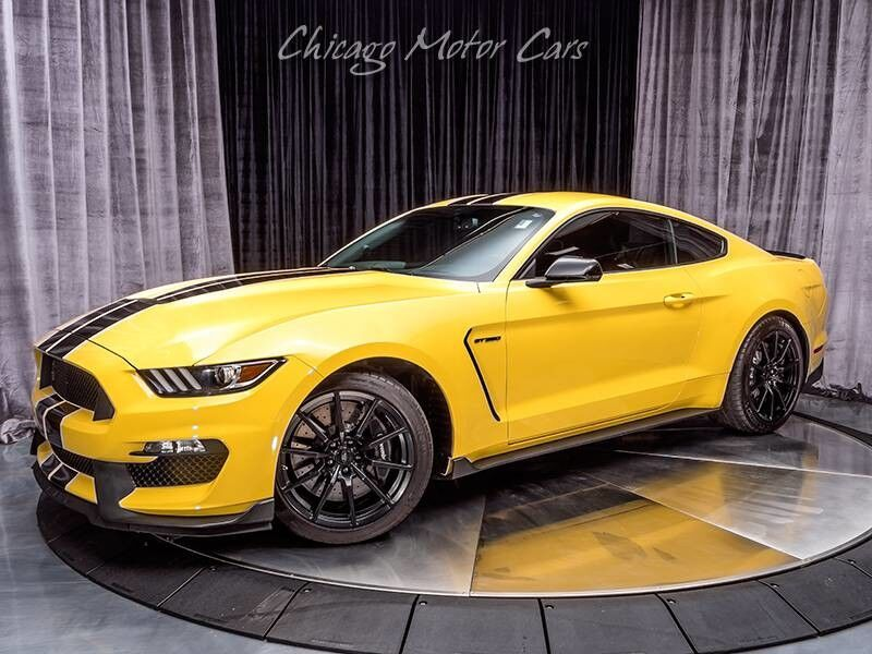 2016_Ford_Mustang_Shelby GT350_ Chicago IL