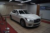 2016 Infiniti Q70 DELUXE ,TECH TOURING PACKAGE