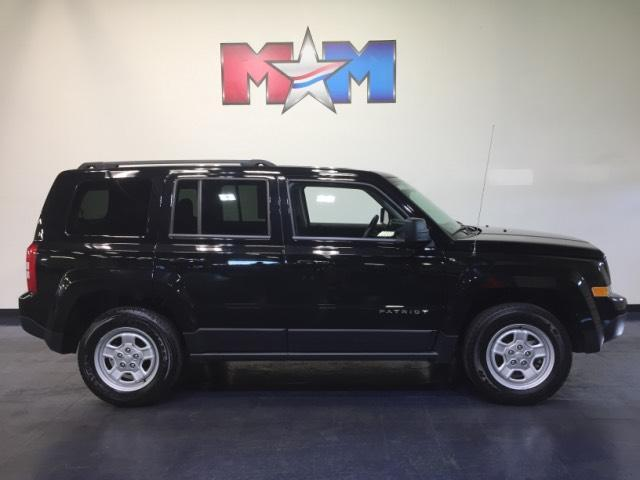 Vehicle details 2016 jeep patriot at motor mile kia for Shelor motor mile com