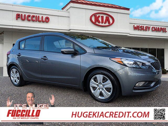 2016 kia forte 5 door lx wesley chapel fl 27269992. Black Bedroom Furniture Sets. Home Design Ideas