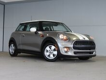 2016_MINI_Cooper_Base_ Kansas City KS